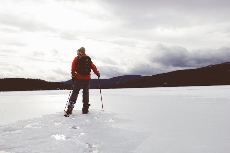 Con le ciaspole sulla neve